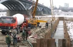 Wylot kanału burzowego DN 2000 do Wisły